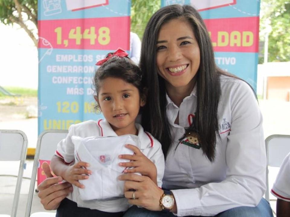Avanza en más del 30% la entrega de Uniformes Escolares  Gratuitos por parte del Gobierno del Estado: Sedescol