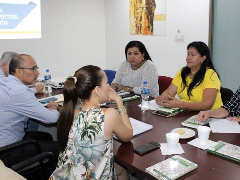 Presentan al congreso libro sobre avances y retos de la educación en Colima