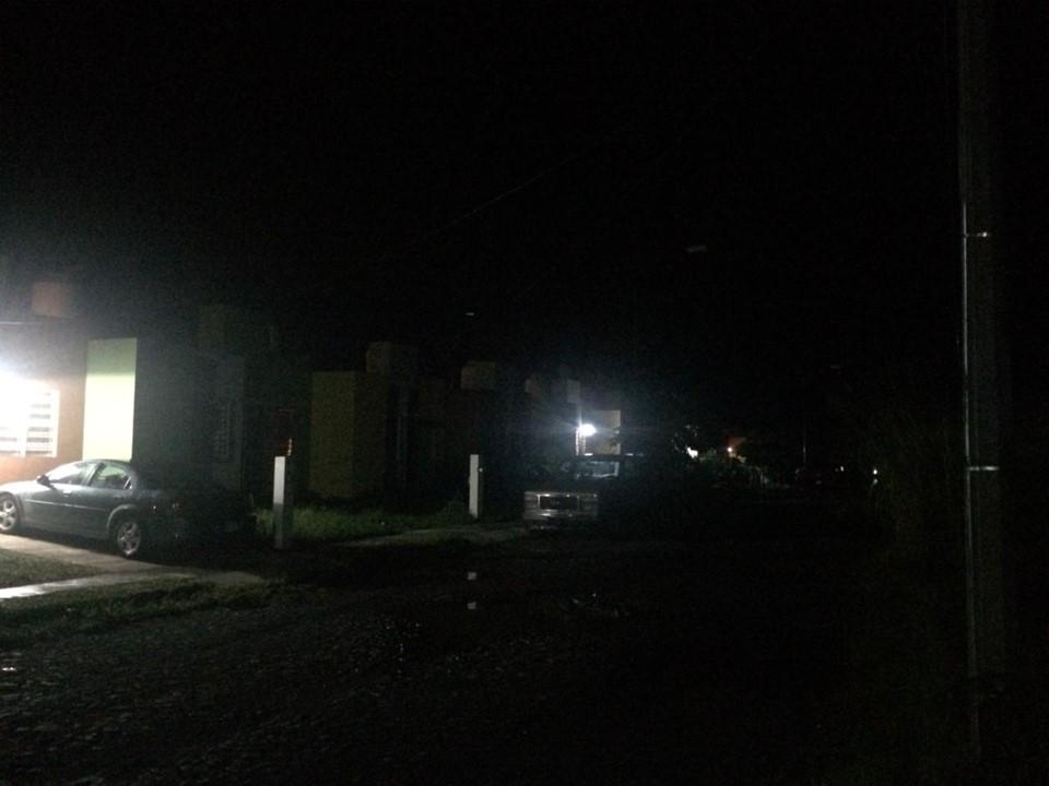 Denuncia ciudadana: Vecinos de la colonia Colinas del Sol en Villa de Álvarez tienen más de 15 días sin alumbrado público.