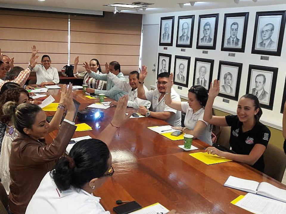Presentan plan anual de trabajo del Comité  Estatal de Becas en la Secretaría de Educación