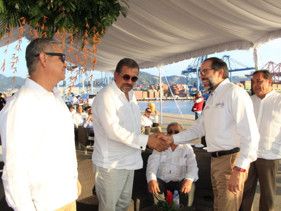 Se suma Gobernador a comunidad  portuaria en beneficio de Manzanillo