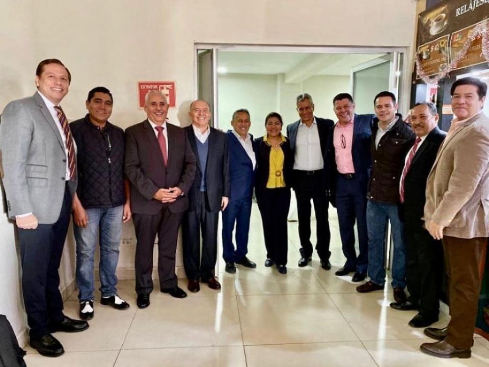 Reaparece Mario Anguiano con líderes del PVEM, pt y ex dirigentes del PRI