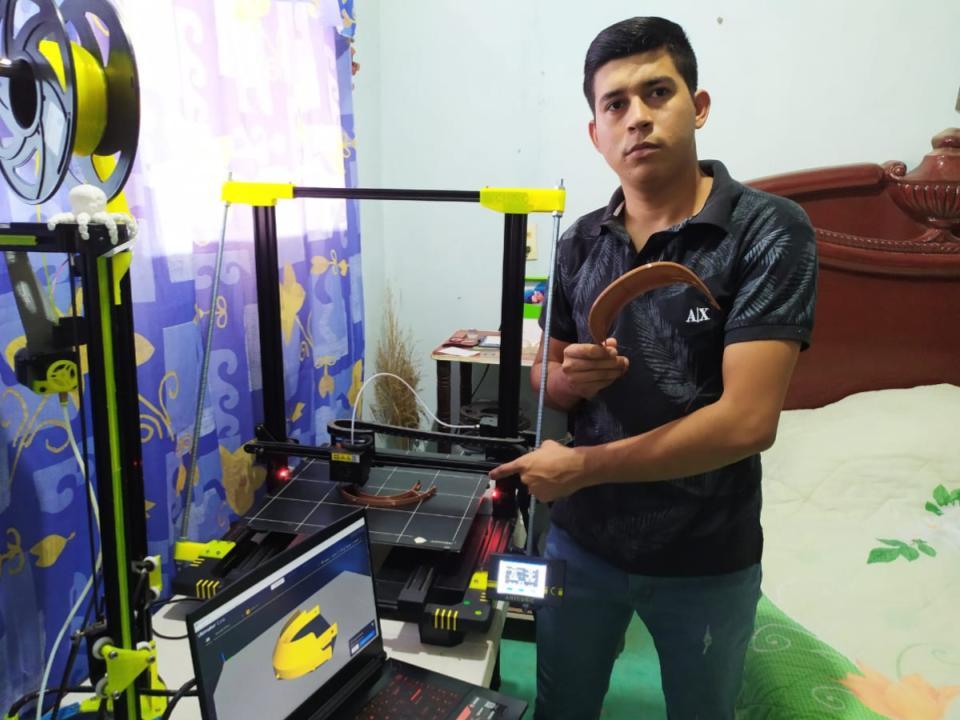 Estudiante de Mecatrónica del Tec de Colima elabora y dona caretas protectoras a sector salud de Tecomán