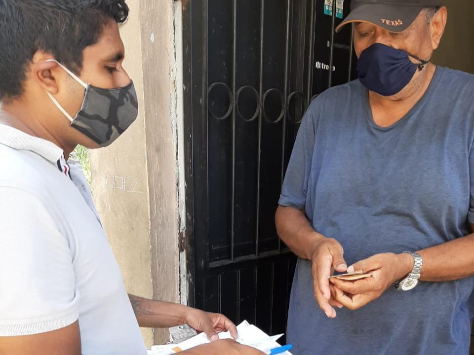 Entrega Ayuntamiento de Colima 232,800.00 mil pesos a adultos mayores.