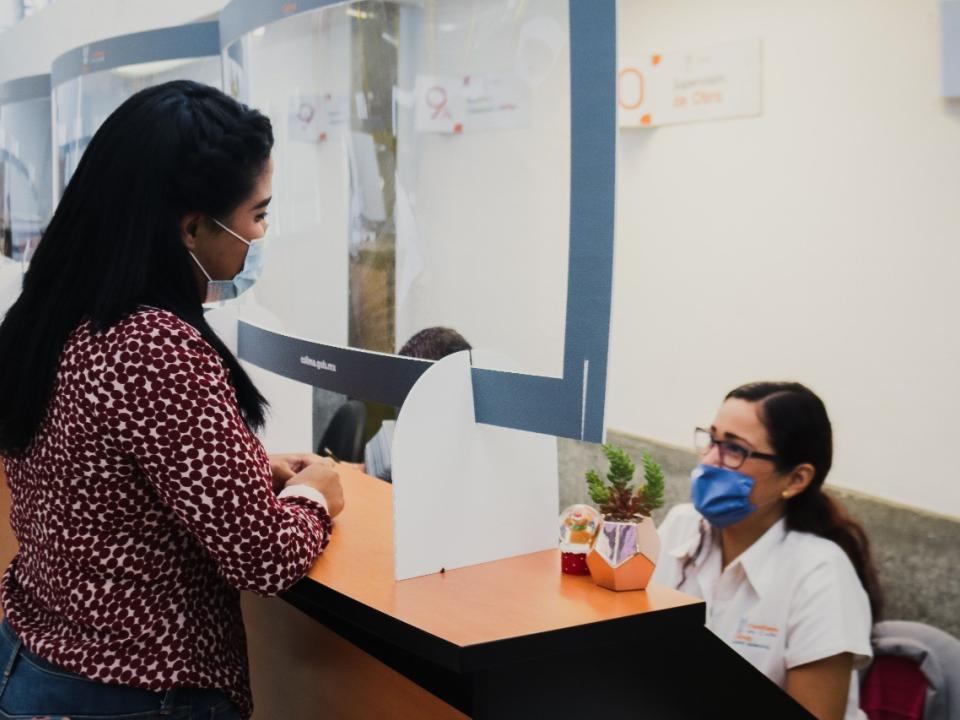 Centro Municipal de Negocios con atención a la ciudadanía implementando medidas sanitarias.