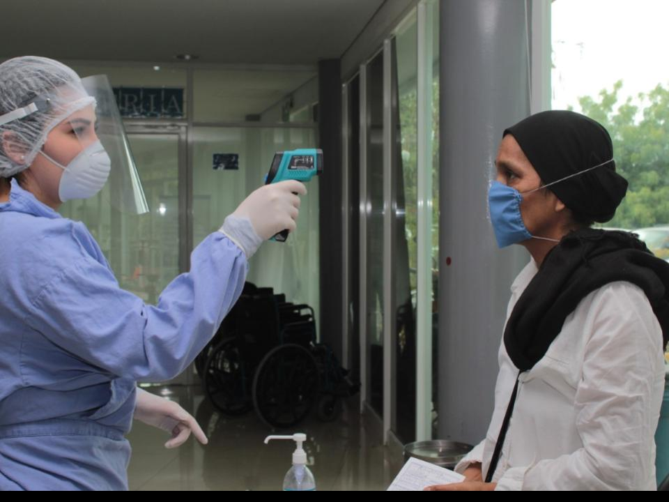 Salud prioriza protección de  personal médico ante Covid