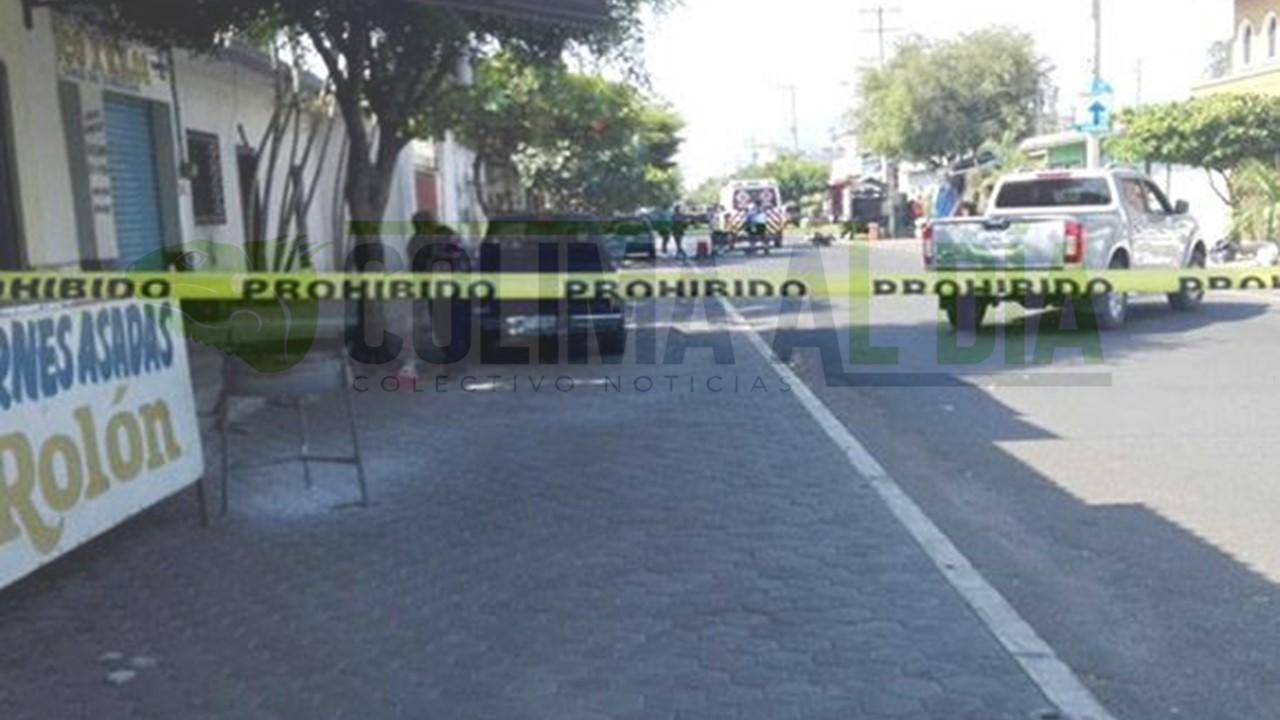 Joven motociclista es ejecutado en la zona centro de Tecomán