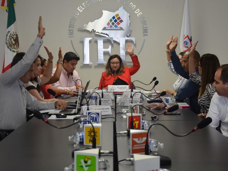 Ratifica CG del IEE Colima rotación de Presidencia de las  Comisiones Permanentes y aprueba mecanismo de destrucción  de documentación y material electoral del PEL 2017-2018