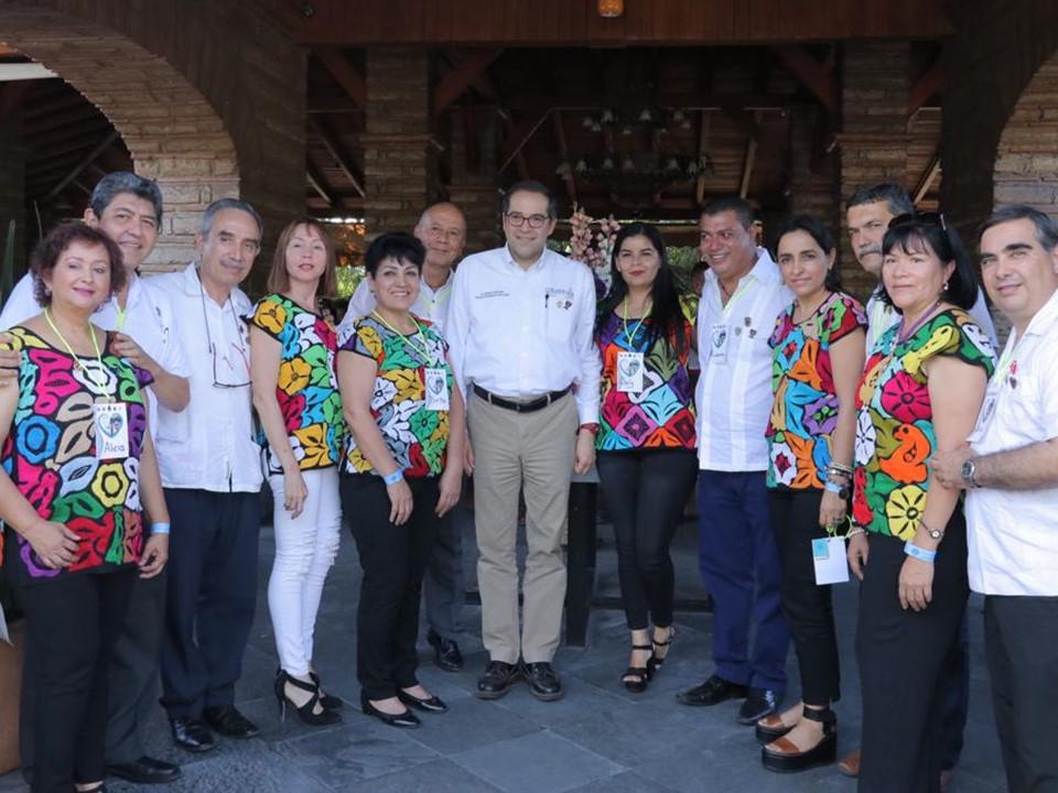 Reconoce Asociación de Clubes de  Leones a Gobernador Nacho Peralta