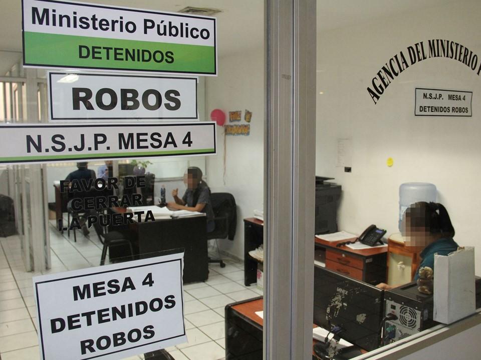 15 vinculados a proceso  por robos en Colima y V de A