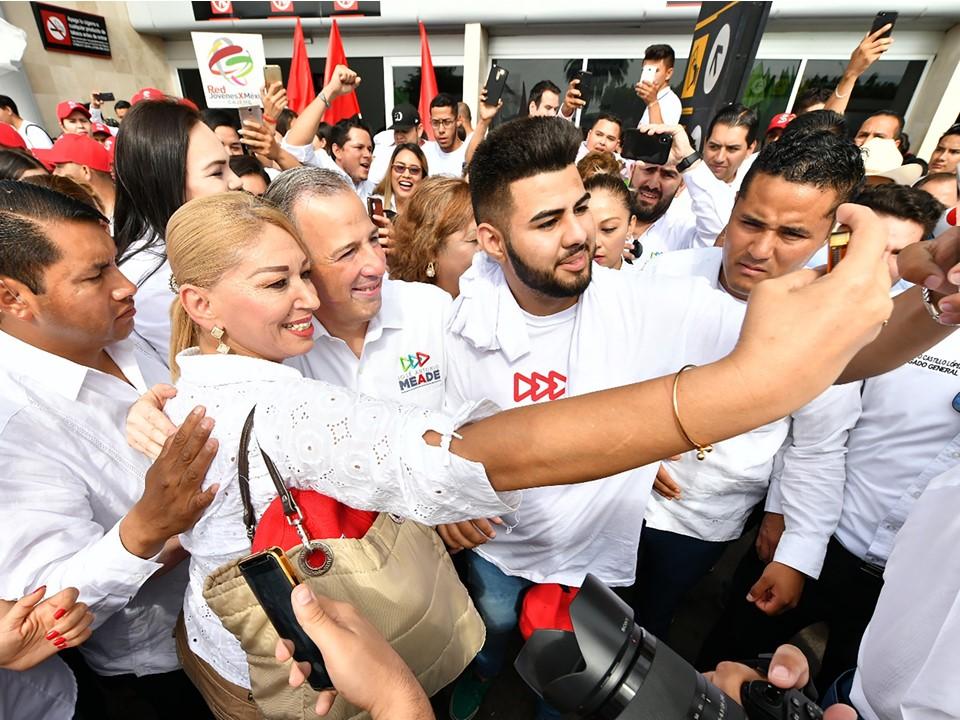 López Obrador debe rendir cuentas sobre negocios de sus colaboradores con Odebrecht