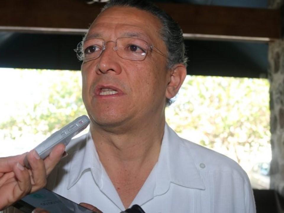 Insúa cometió un ilícito por el que debe responder: Rogelio Rueda