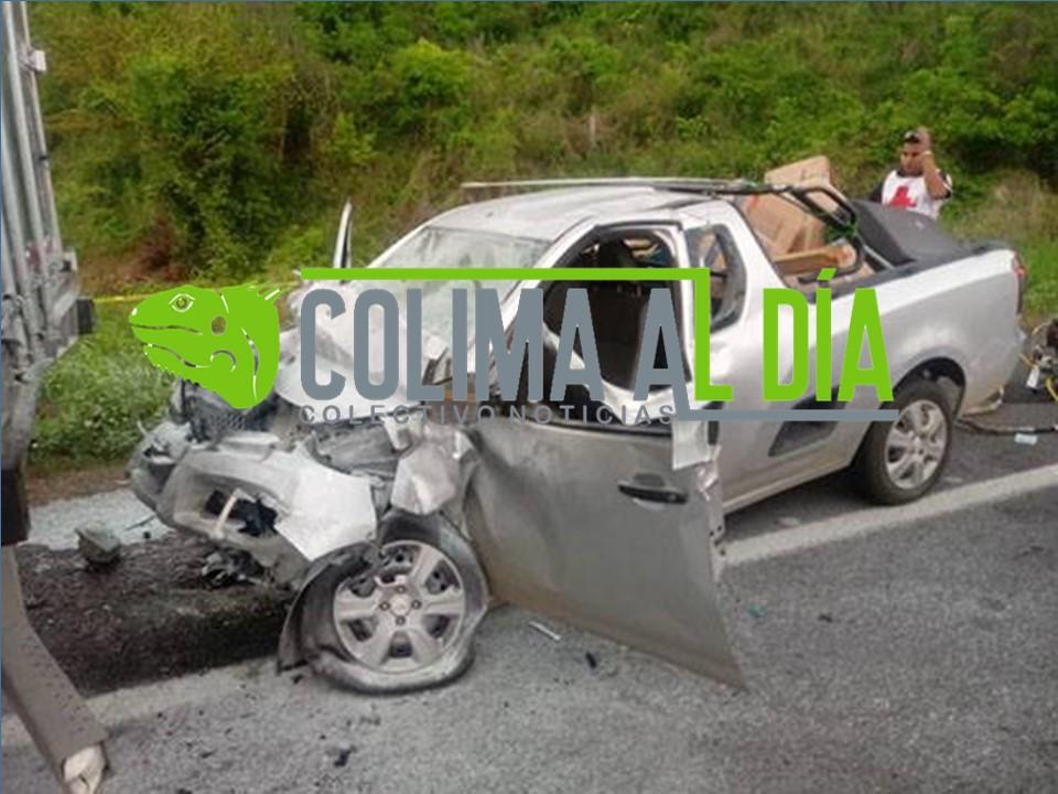 Fatal accidente en la carretera a Cihuatlán, se reporta un fallecido y un herido de gravedad