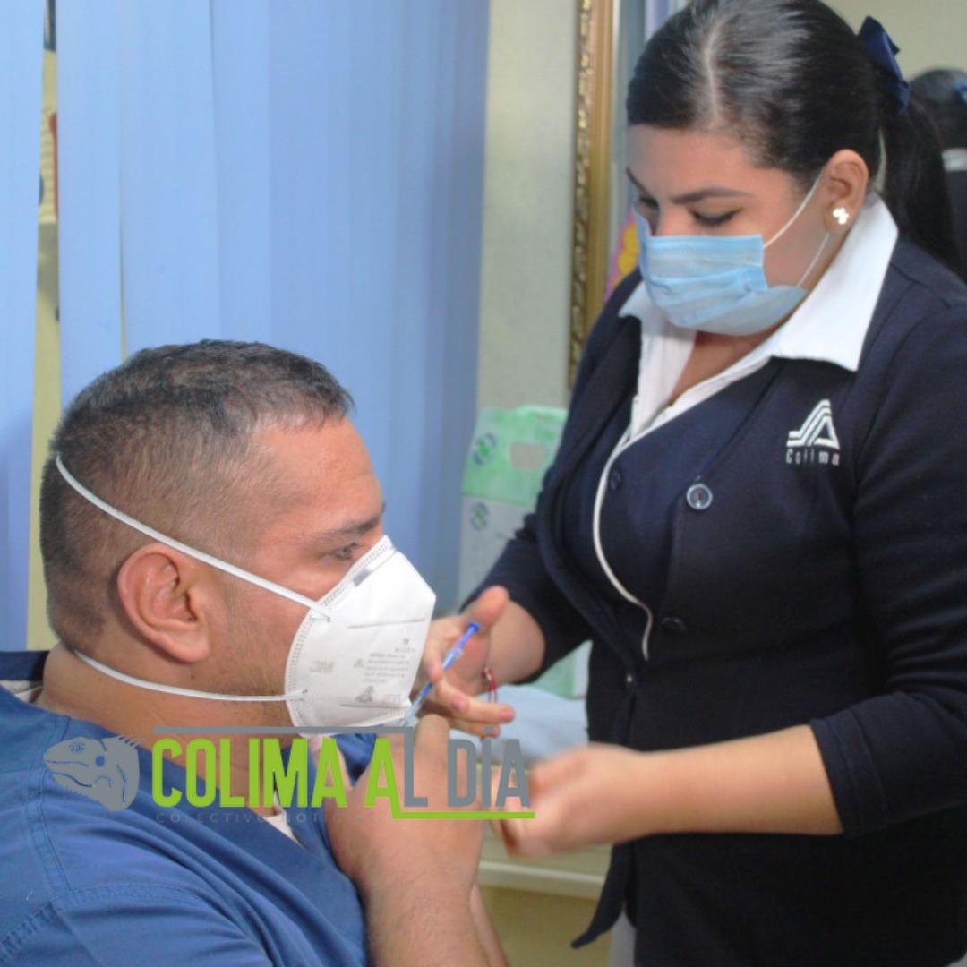 Vacunan a más de 600 trabajadores  de salud privados contra Covid-19