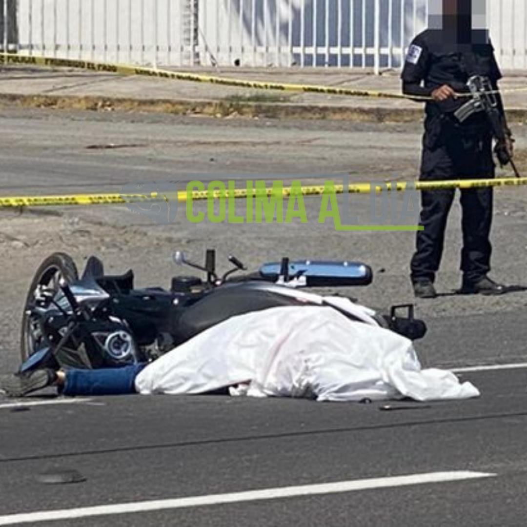 Muere una mujer tras ser impactada por un tráiler en la carretera a Tecomán