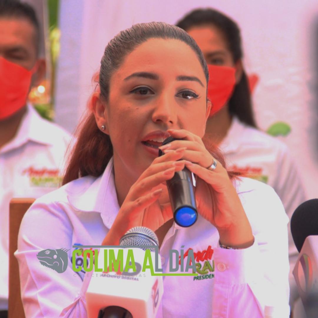 Presenta Andrea Ramos a los integrantes de su planilla rumbo a la alcaldía de Tonila