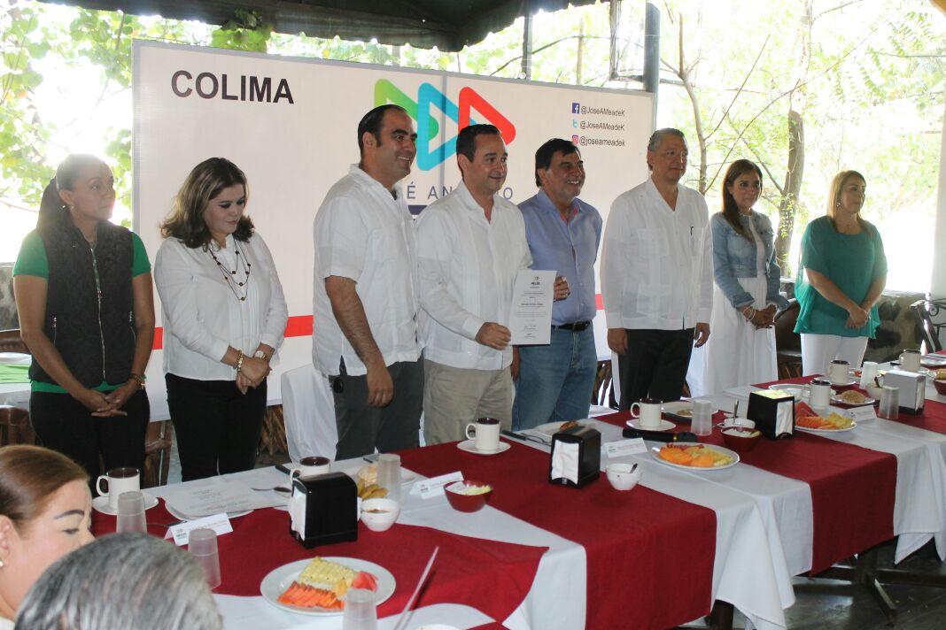 Entregan nombramientos al equipo de campaña de José Antonio Meade en Colima