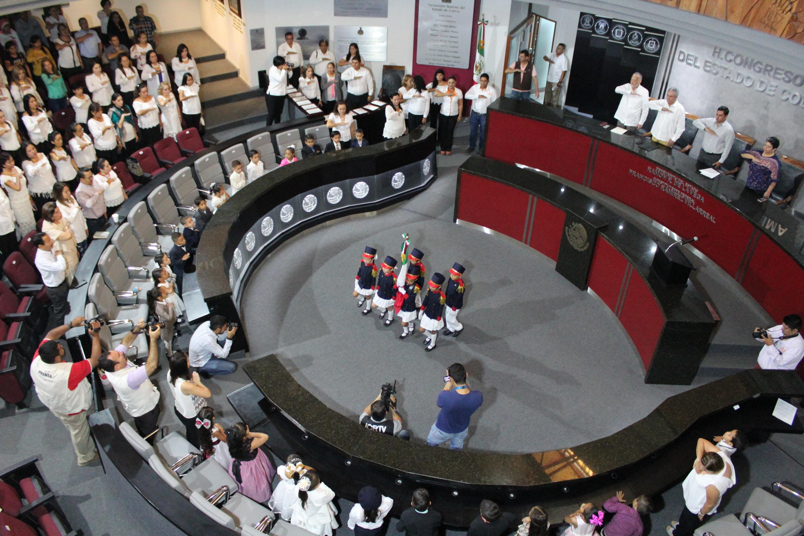 Que gobiernos luchen contra la violencia, piden niños en Parlamento de Preescolar