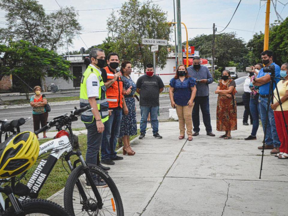 Entrega Leoncio Morán, oficina de policía en Avenida Gonzalo de Sandoval