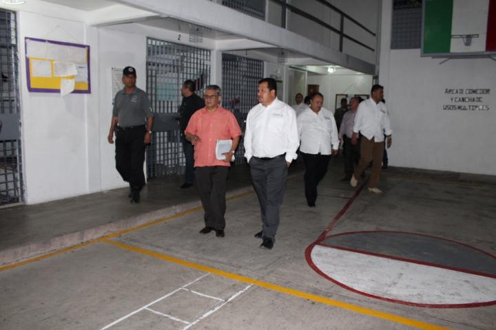 Supervisa Hugo Vázquez  operación del Cereso de Colima