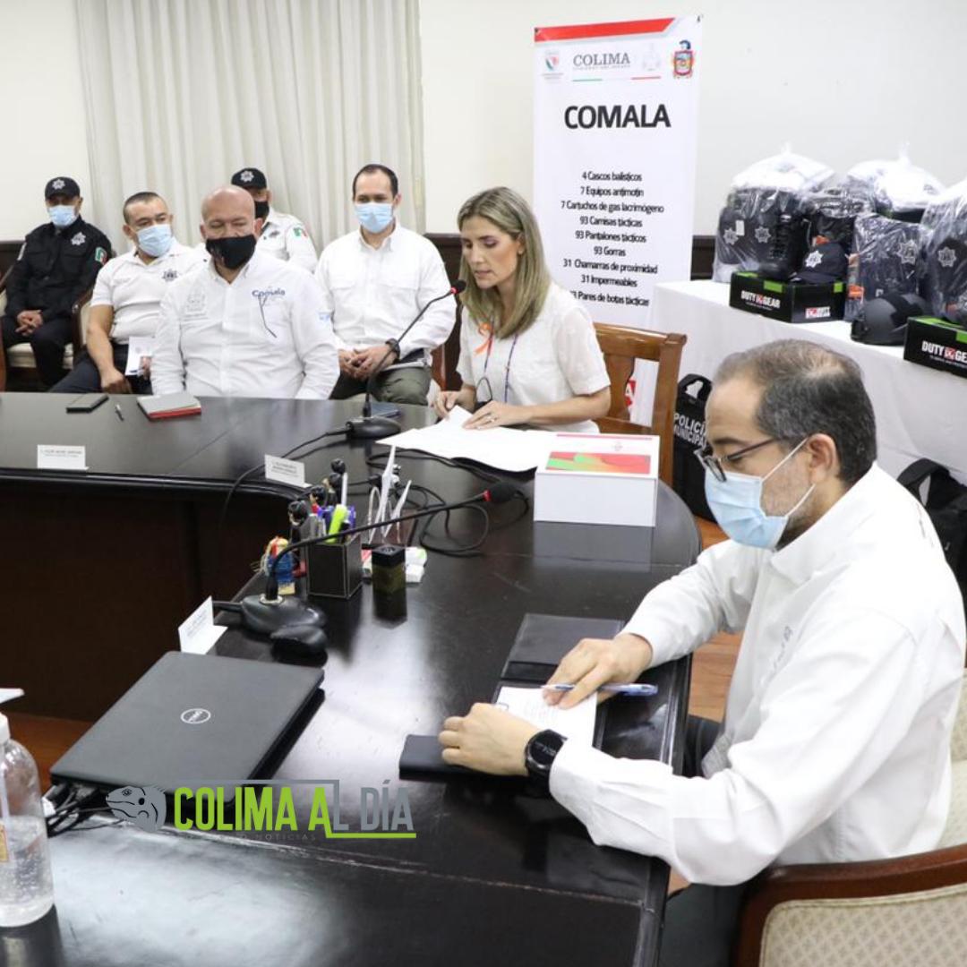 Gobernador entrega equipo para policías  de Colima, VdeA, Comala y Cuauhtémoc