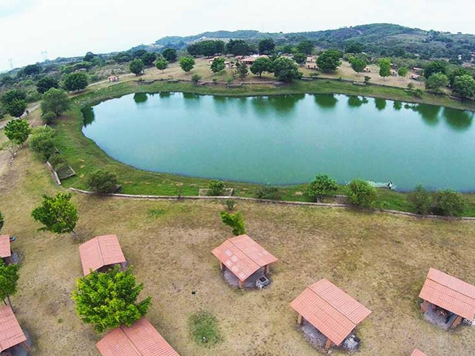 #Aviso :Se buscan a los dueños de 2 artículos olvidados el día de hoy en la laguna El Naranjal.
