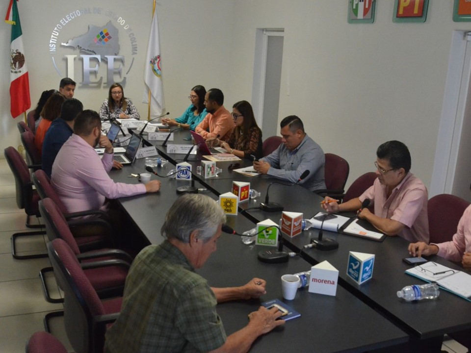 Desahoga Consejo General del  IEE Colima consulta del PAN