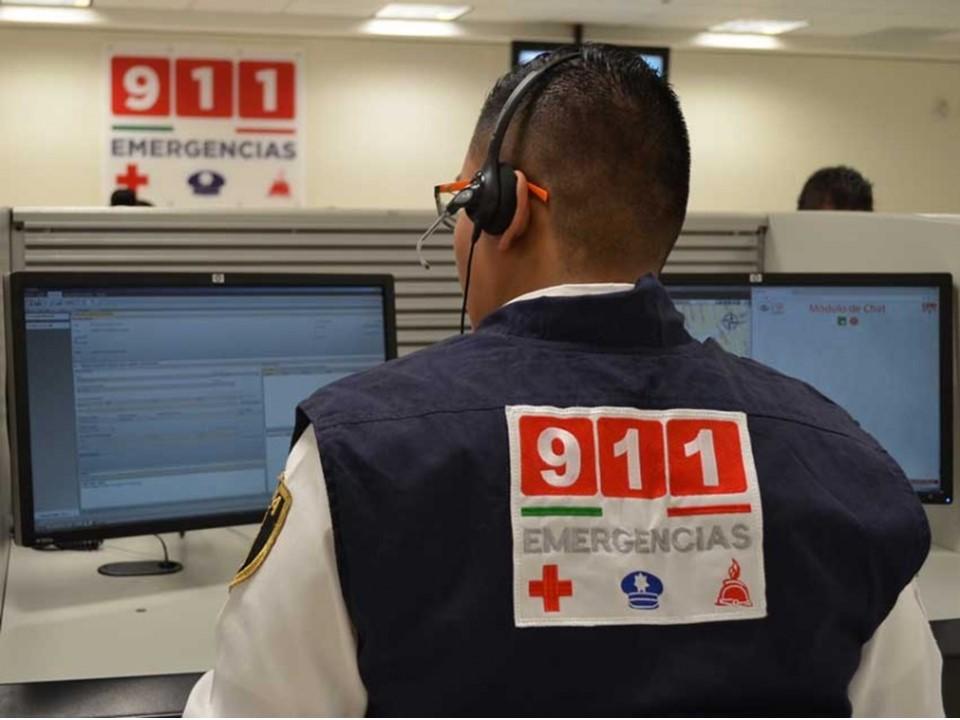 #Denuncian vecinos de la Francisco I. Madero en #Colima que ante un robo llamaron al 911 y la policía nunca llego.
