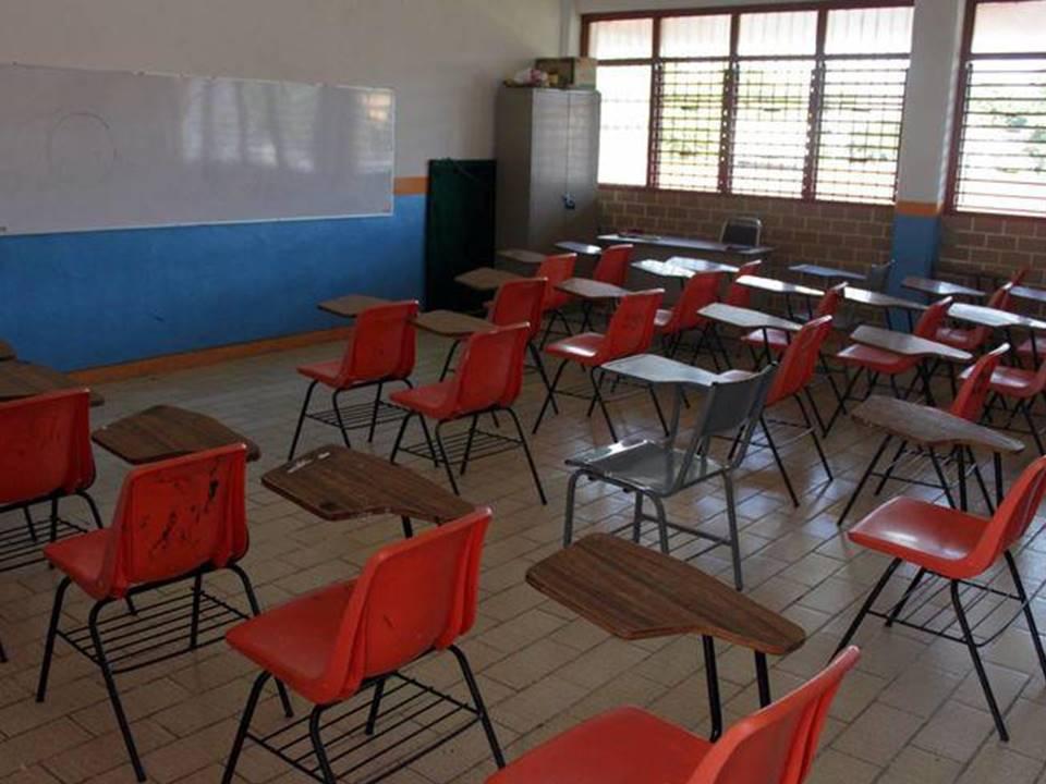 10 mil alumnos permanecen sin clases por paro magisterial en Michoacán