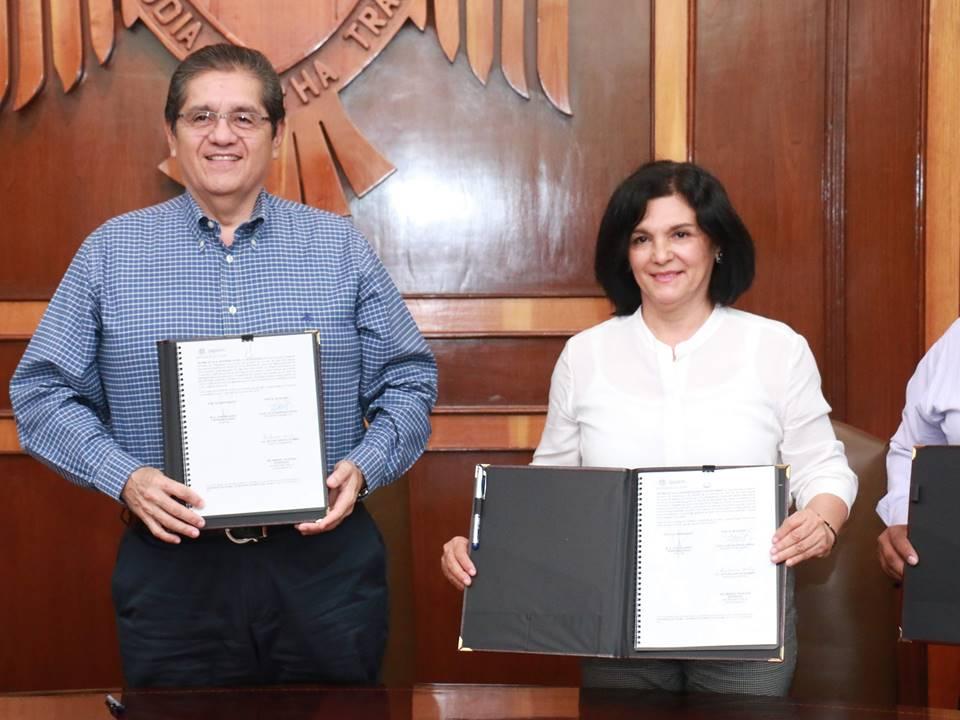 Firman convenio UdeC y  Ayuntamiento de Minatitlán
