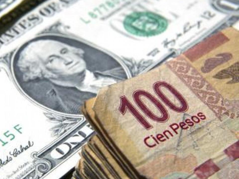 Dólar sigue en retroceso, se vende en 19.19 pesos en bancos capitalinos