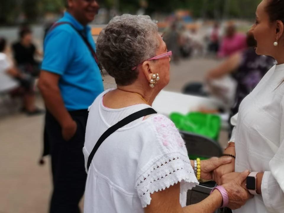 Vamos a multiplicar las actividades de los adultos mayores en el municipio: Azucena López Legorreta