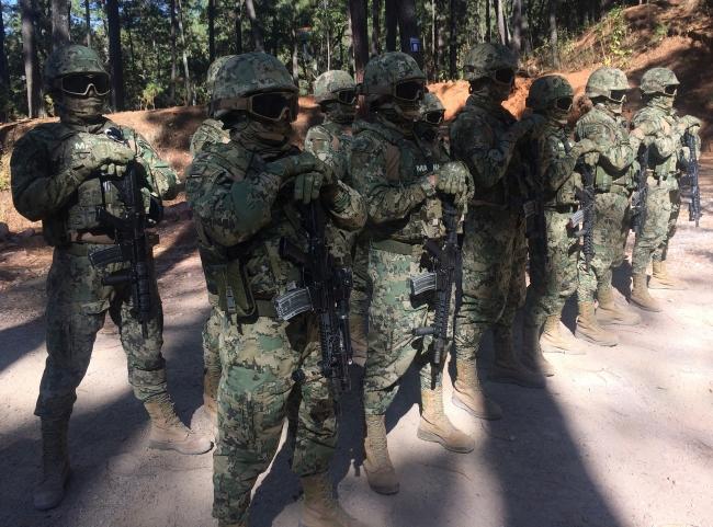 Infantería de Marina recibe adiestramiento para apoyar a la población