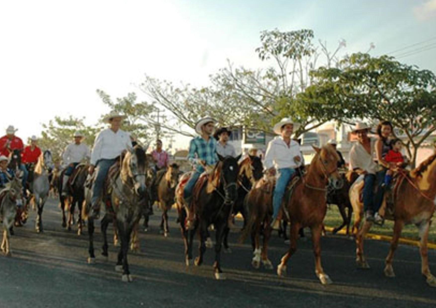 Habrá de garantizarse la seguridad en  festejos charro taurinos de Coquimatlán
