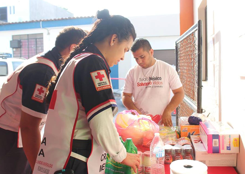 Enviará Cruz Roja Colima 20 toneladas de víveres a Oaxaca y Guerrero