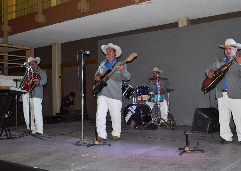 Grupo norteño Los Hermanos Navarro se presentará este martes en Noches de Café