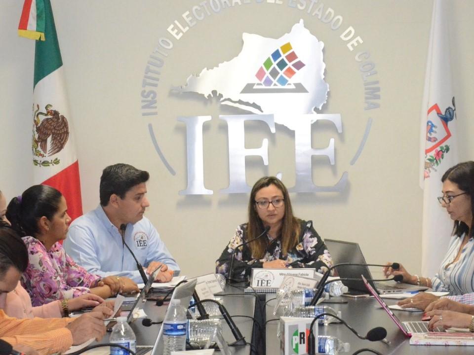 Faculta CG del IEE Colima a Comisión de Asuntos Jurídicos para elaborar  los proyectos de resolución ante inconformidades de miembros del SPEN