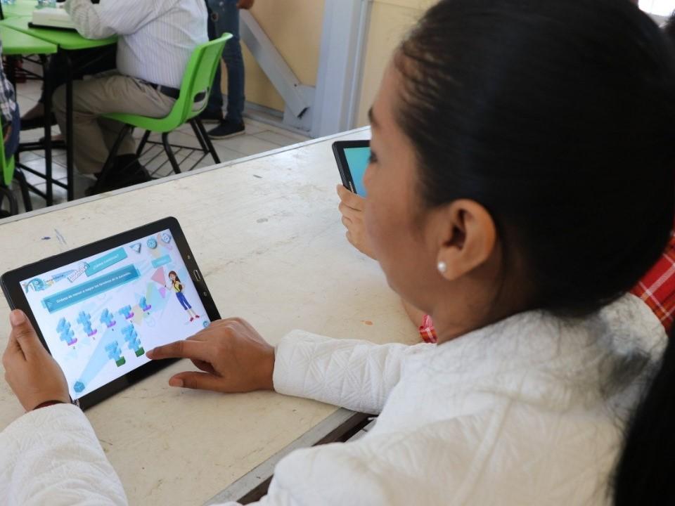 Capacita SE a docentes sobre  Programa Aulas Inteligentes
