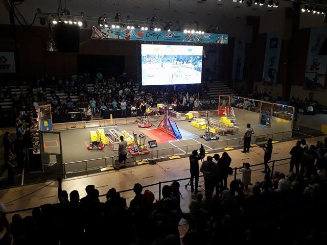 Bachilleres de Tec de Monterrey participarán en competencia internacional de robótica