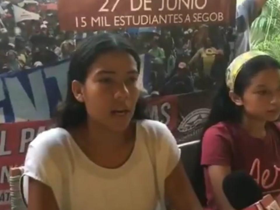 Jóvenes del FNERRR en Colima denuncian que AMLO no ha cumplido a estudiantes con otorgamiento de becas