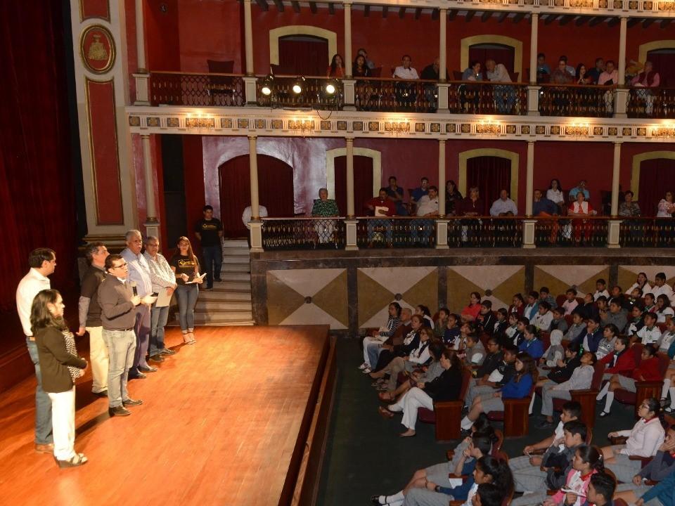 Invita Cultura a participar en la  convocatoria de Teatro Escolar