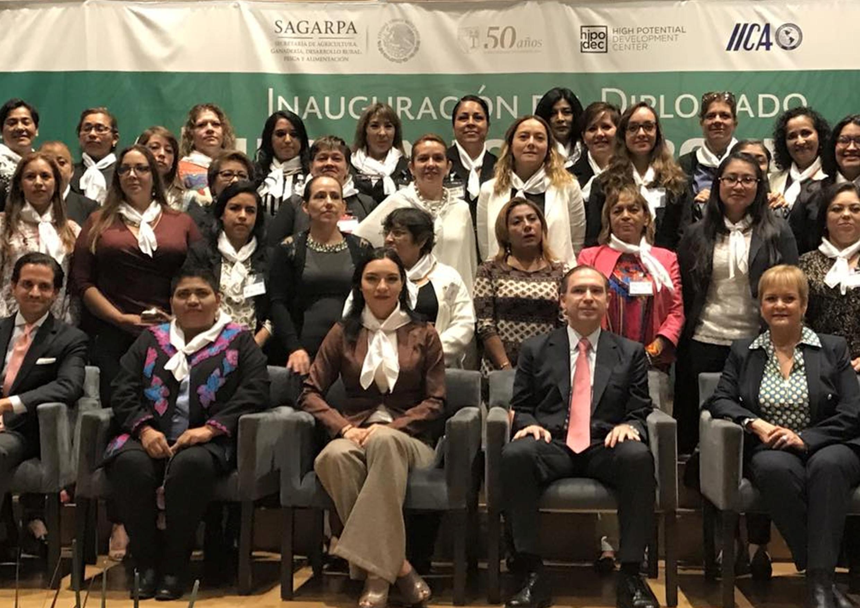 Mujeres, clave en el desarrollo del campo mexicano: Mely Romero.
